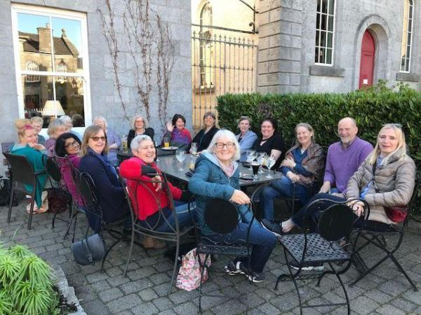handweavers-guild-cork-Roscommon-international-fibre-arts-festival-2018-sitting-outside-gleesons
